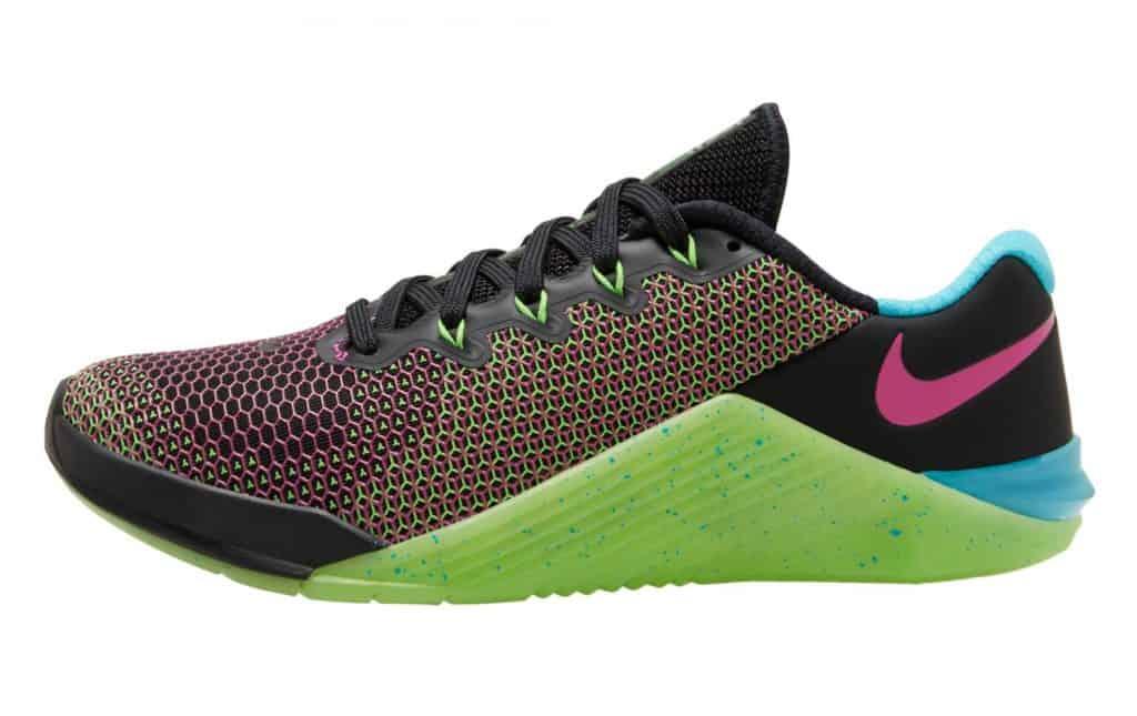 Nike Metcon 5 AMP - in BLACK / FIRE PINK / GREEN / STRIKE BLUE FURY