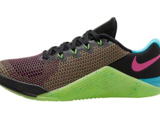 Nike Metcon 5 AMP - in BLACK / FIRE PINK / GREEN / STRIKE BLUE FURY