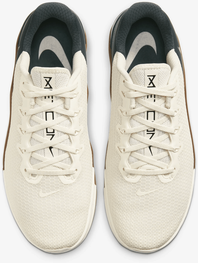 Top of the Nike Metcon 5 Cross Trainer for CrossFit in Pale Ivory/Seaweed/Light British Tan/Black
