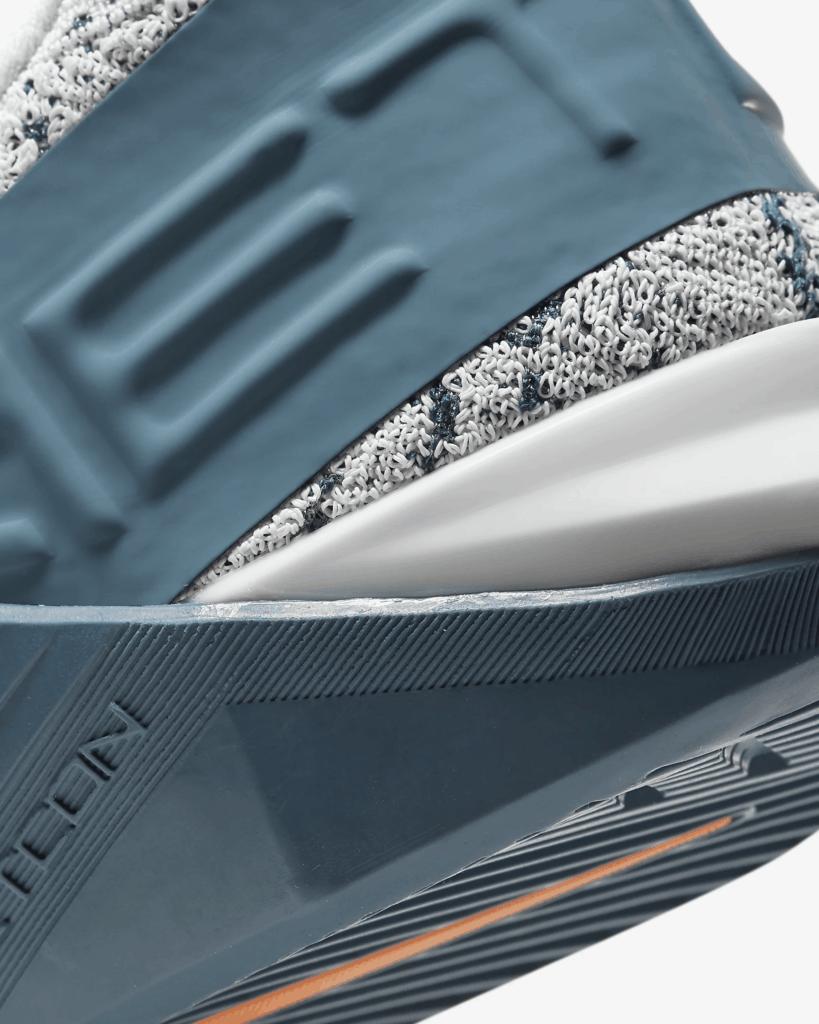 Heel closeup of the Nike React Metcon - Light Armory Blue/Thunderstorm/Black