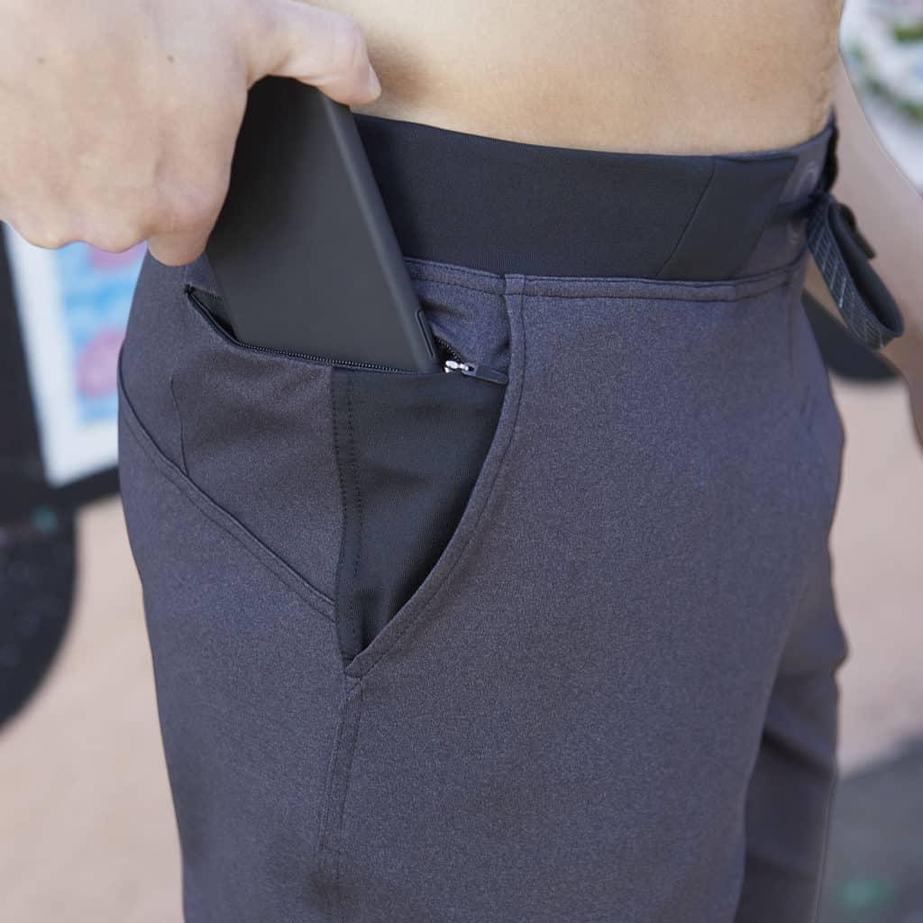 Pocket of the Hylete Fuse Short - Workout shorts for men in Heather Black/Black