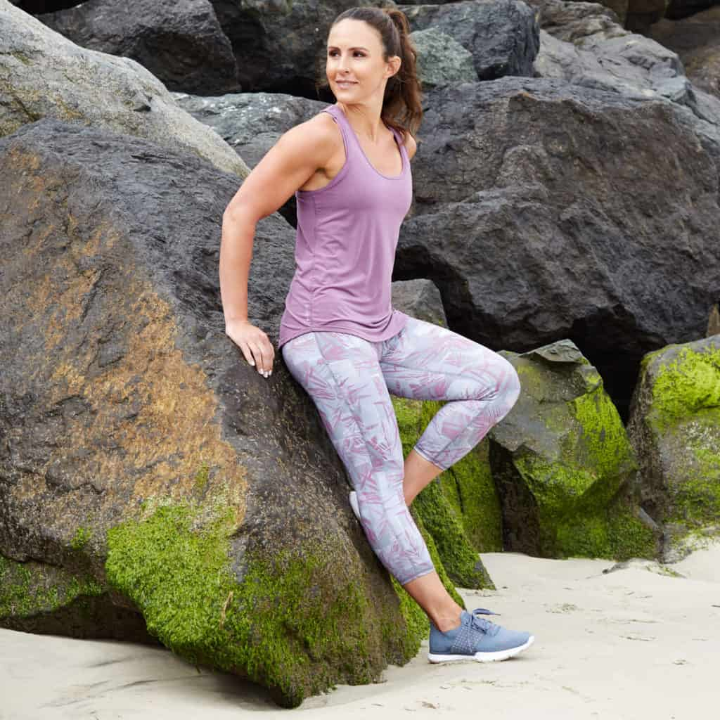 Motiv II Crop Workout Tights on the seashore