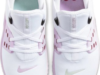 Top view of the New Nike Free x Metcon 2 Women's Cross Trainer - U Complete Me for Valentine's Day