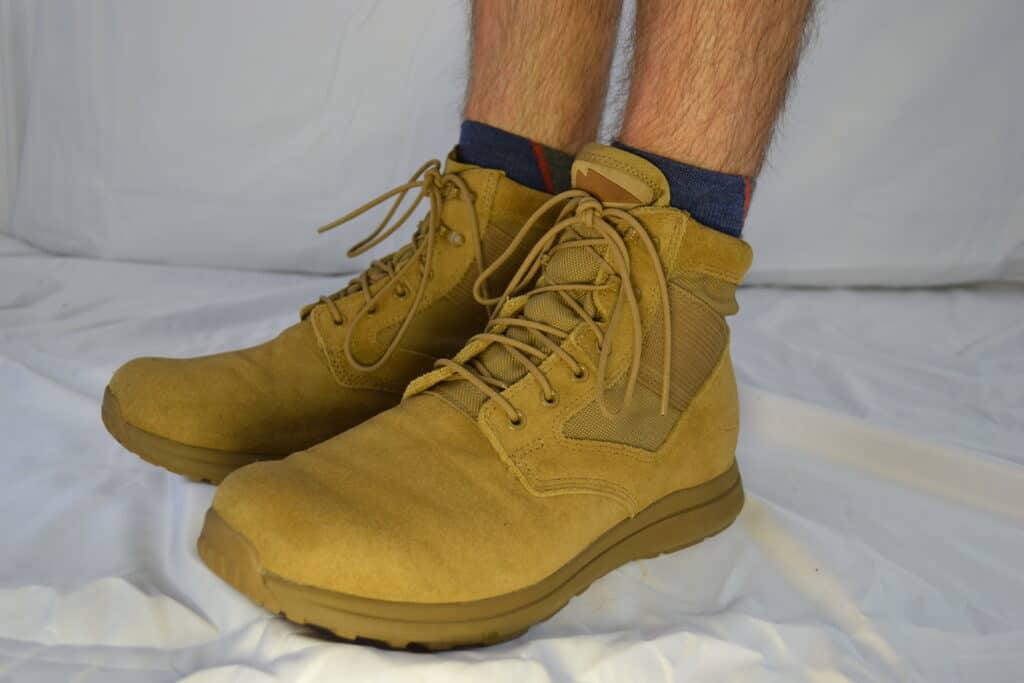 Darn Tough Hiker 1/4 Sock with Cushion  Coyote Suede MACV-1 Gen 2
