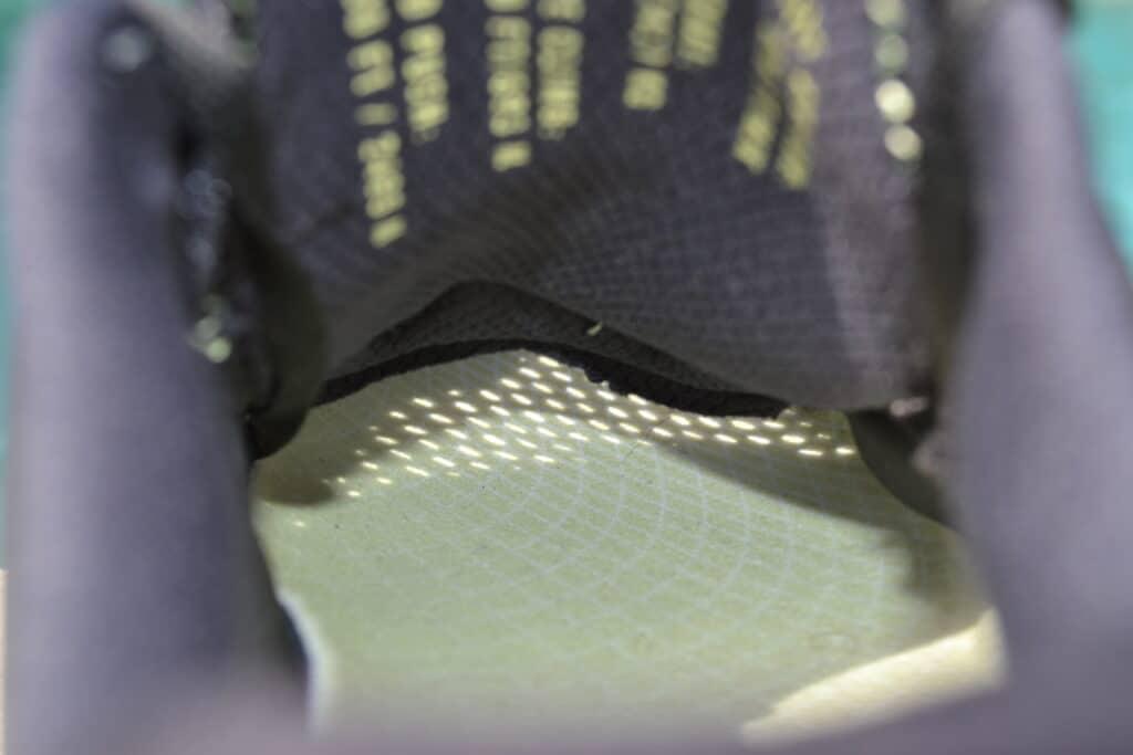 Nike Metcon 6 vs Nike Metcon 5 - sunlight through the upper