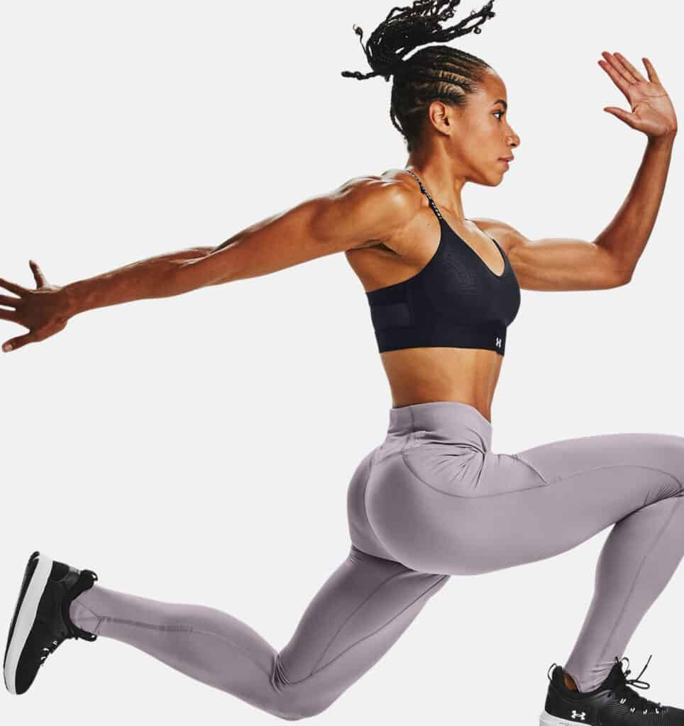 Under Armour Women's UA HydraFuse Leggings jumping