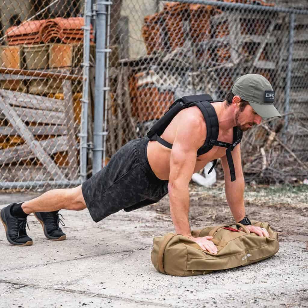 GORUCK Men's American Training Shorts dark camo push up with plates
