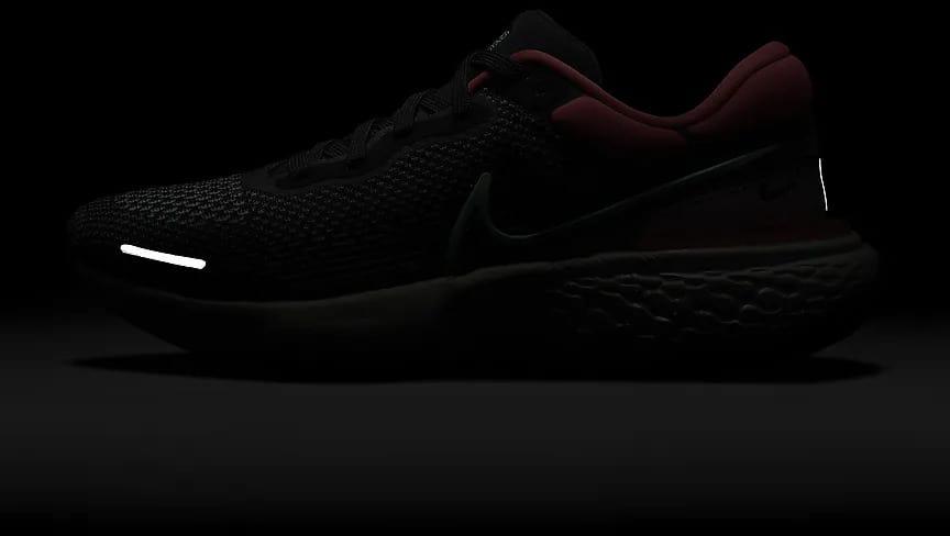 Nike ZoomX Invincible Run Flyknit Men side view glow in the dark