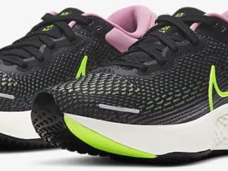 Nike ZoomX Invincible Run Flyknit Women quarter view paie