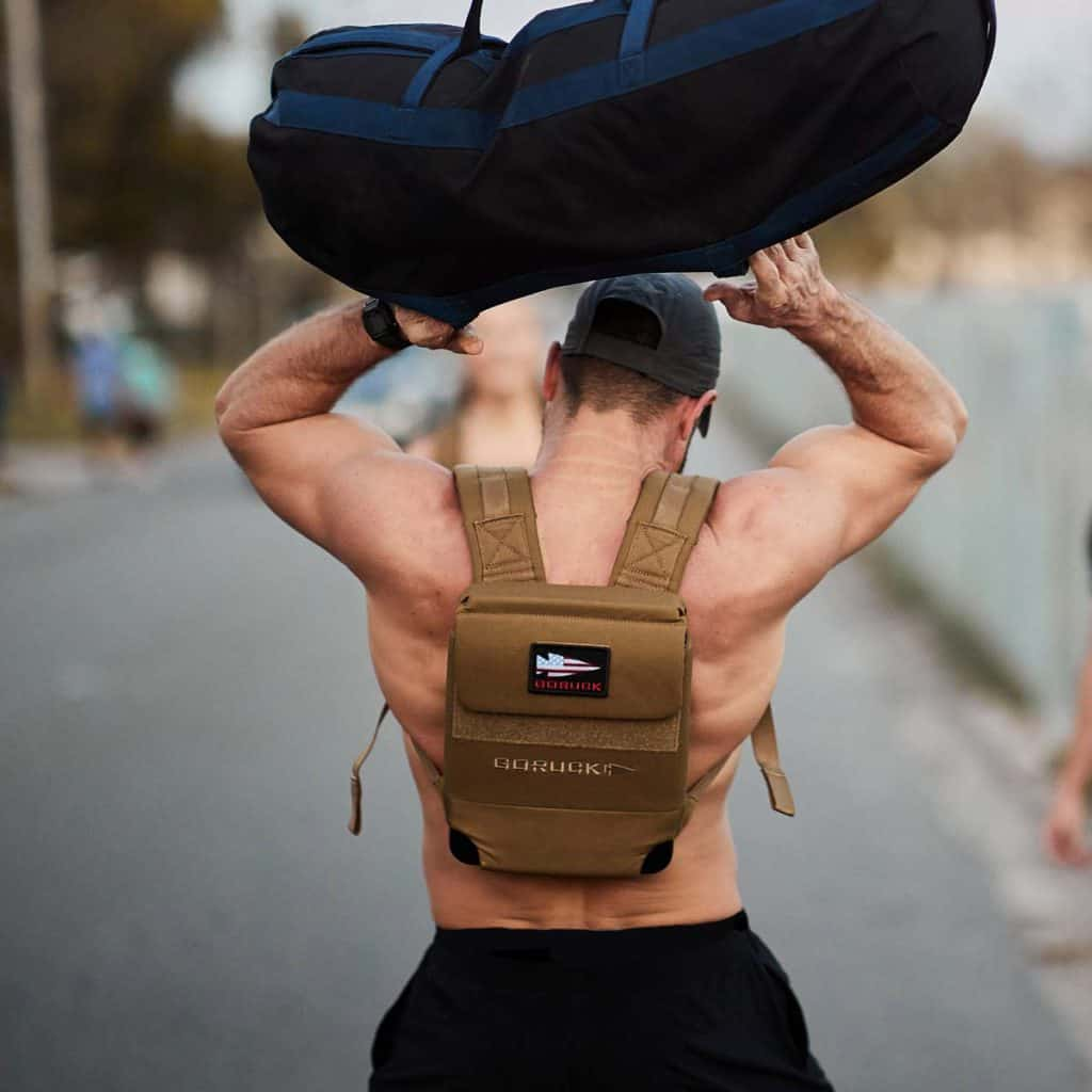 GORUCK Ruck Plate Carrier 2.0 coyote lifting