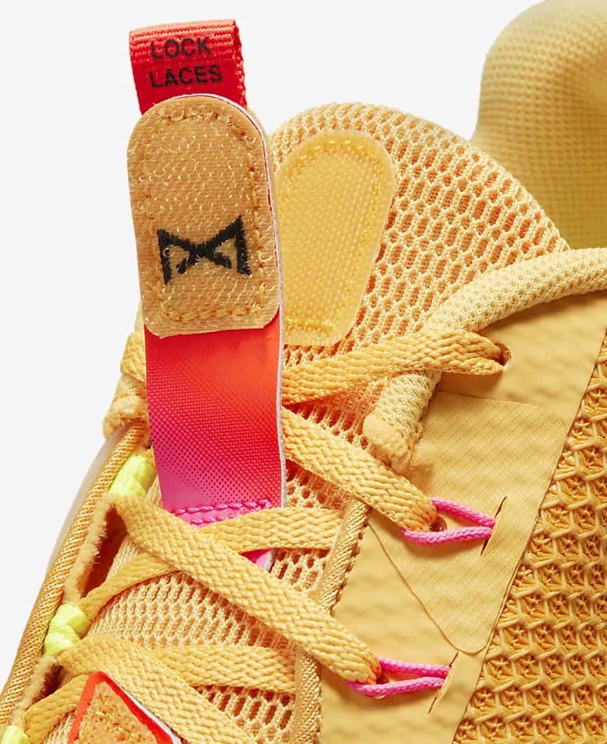 Nike Metcon 7 X Men's laces