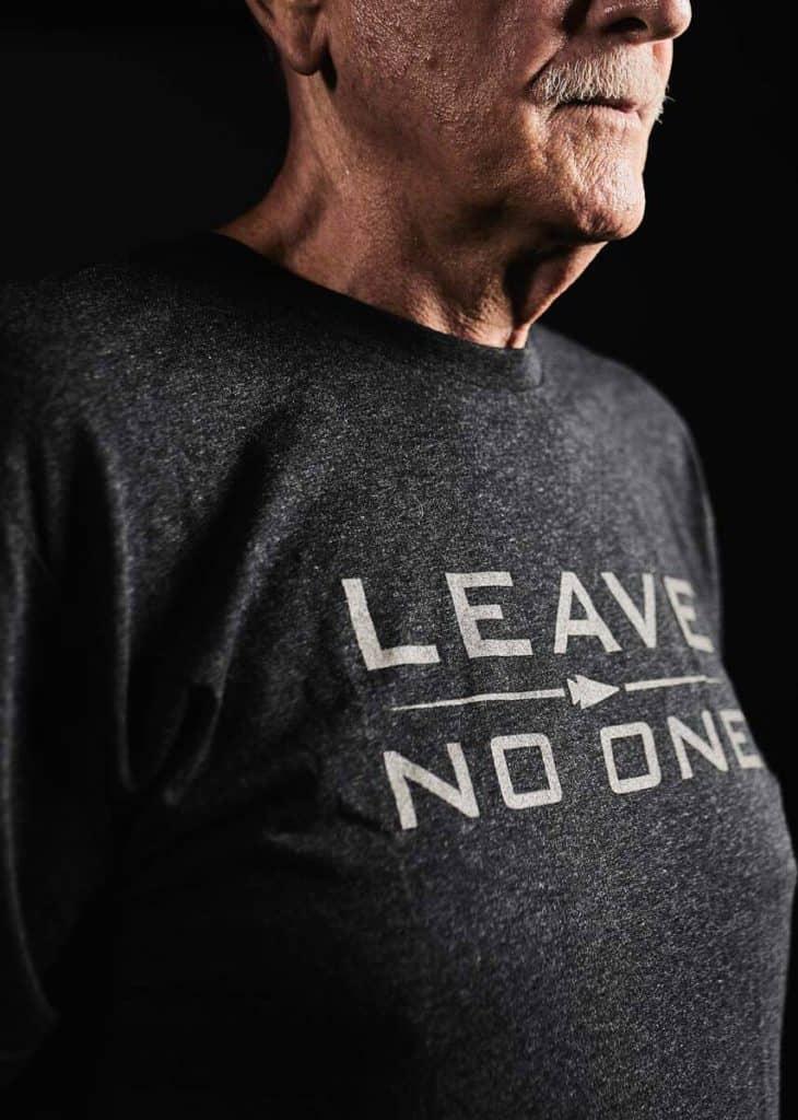 GORUCK T-shirt - Leave No One black worn